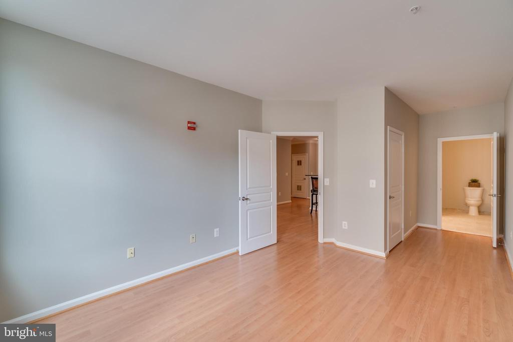 freshly painted - 12000 MARKET ST #254, RESTON