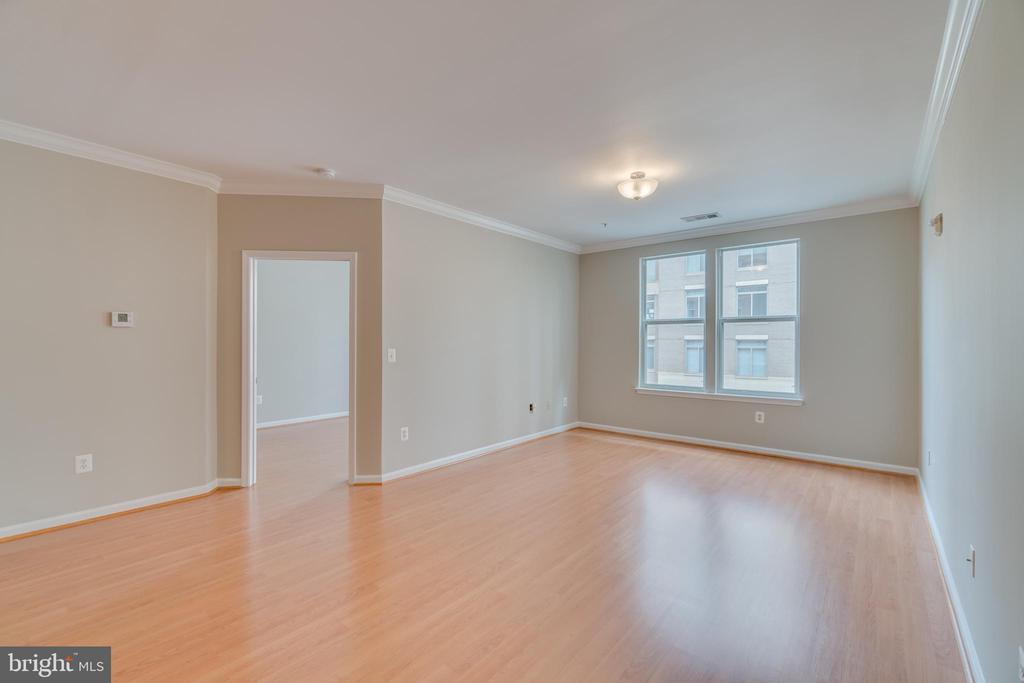 Family Room - 12000 MARKET ST #254, RESTON