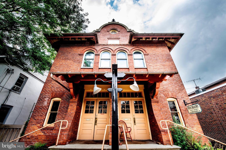 Single Family Homes für Verkauf beim Doylestown, Pennsylvanien 18901 Vereinigte Staaten