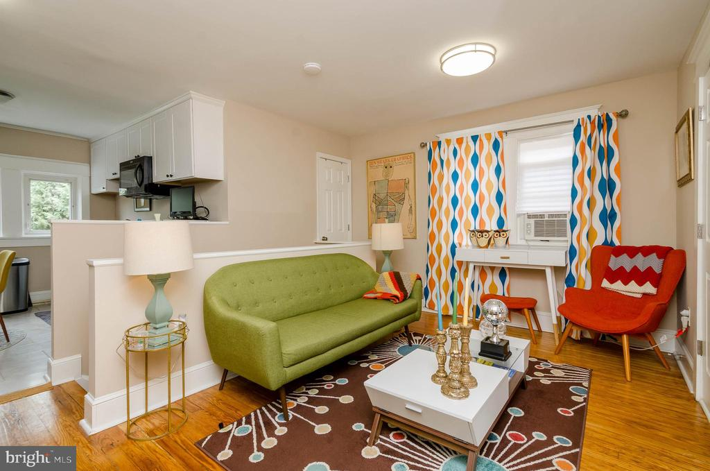 Family Room on 2nd Floor - 1307 LONGFELLOW ST NW, WASHINGTON