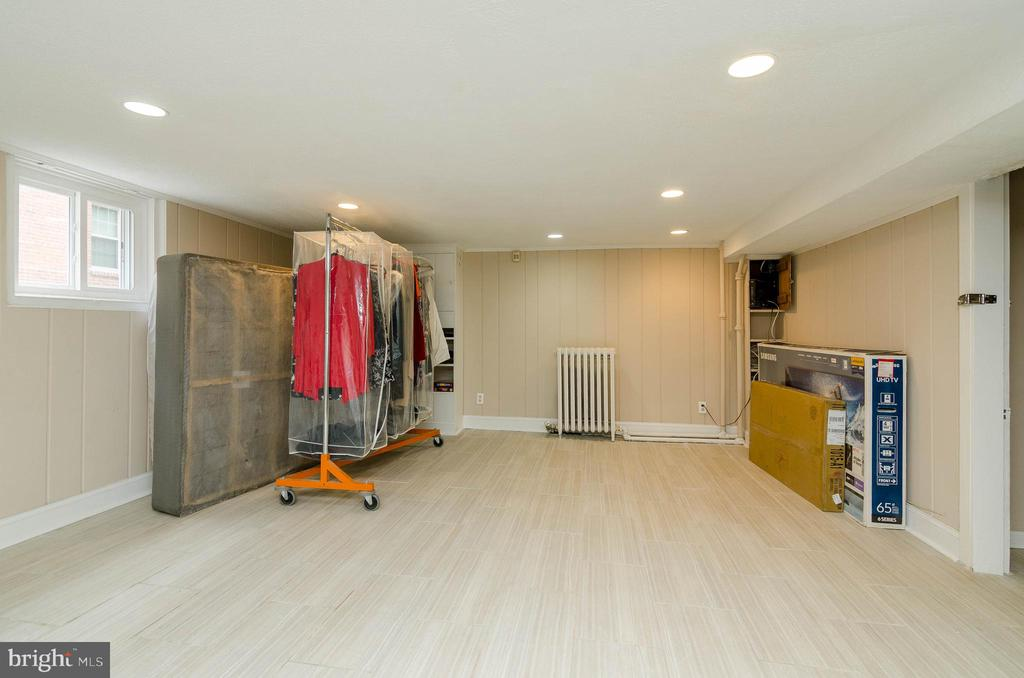 Lower Level Living area - 1307 LONGFELLOW ST NW, WASHINGTON