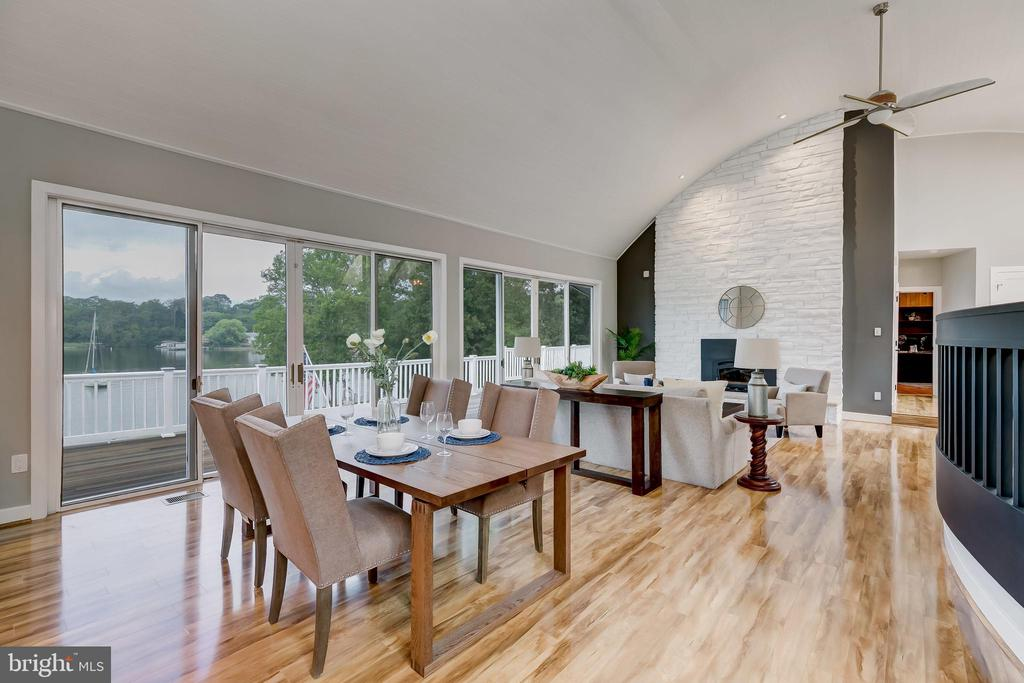 Dining area in Great room - 98 POINT SOMERSET LN, SEVERNA PARK