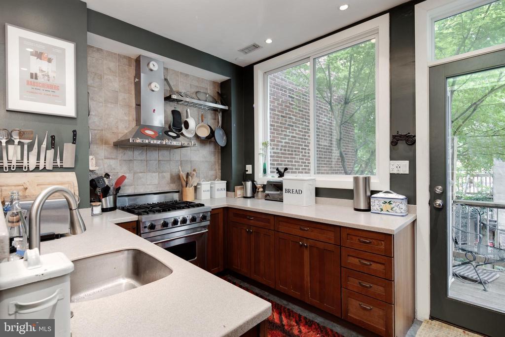 Kitchen - 1844 13TH ST NW, WASHINGTON