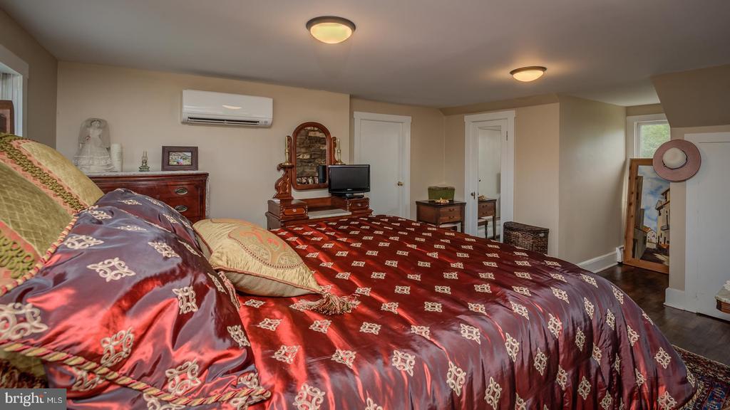 Upper Level-Second Master Bedroom - 38978 GOOSE CREEK LN, LEESBURG