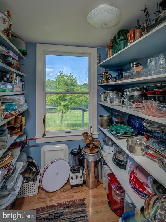 Pantry-Storage Room - 38978 GOOSE CREEK LN, LEESBURG