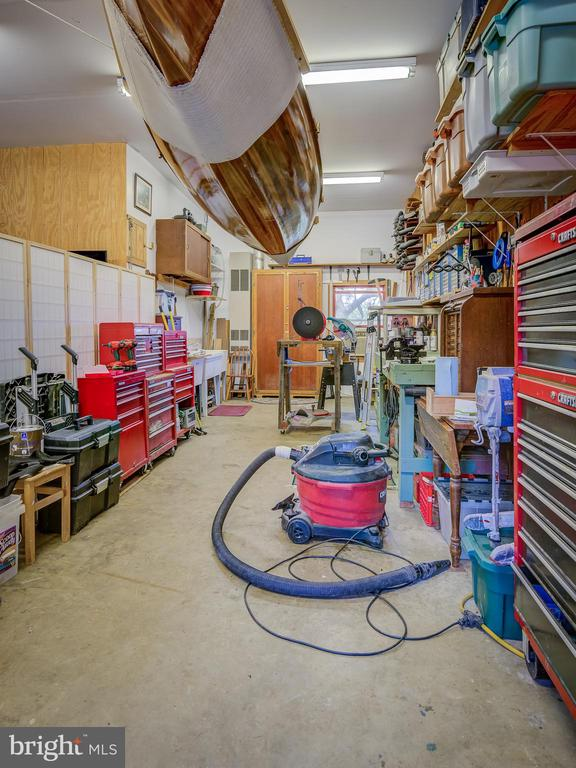 Work Area-Garage - 38978 GOOSE CREEK LN, LEESBURG