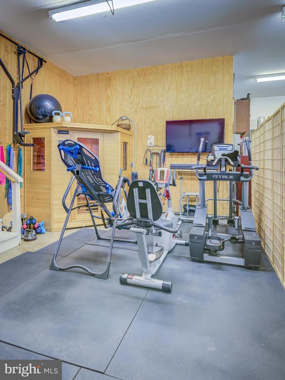 Exercise Area-Garage - 38978 GOOSE CREEK LN, LEESBURG