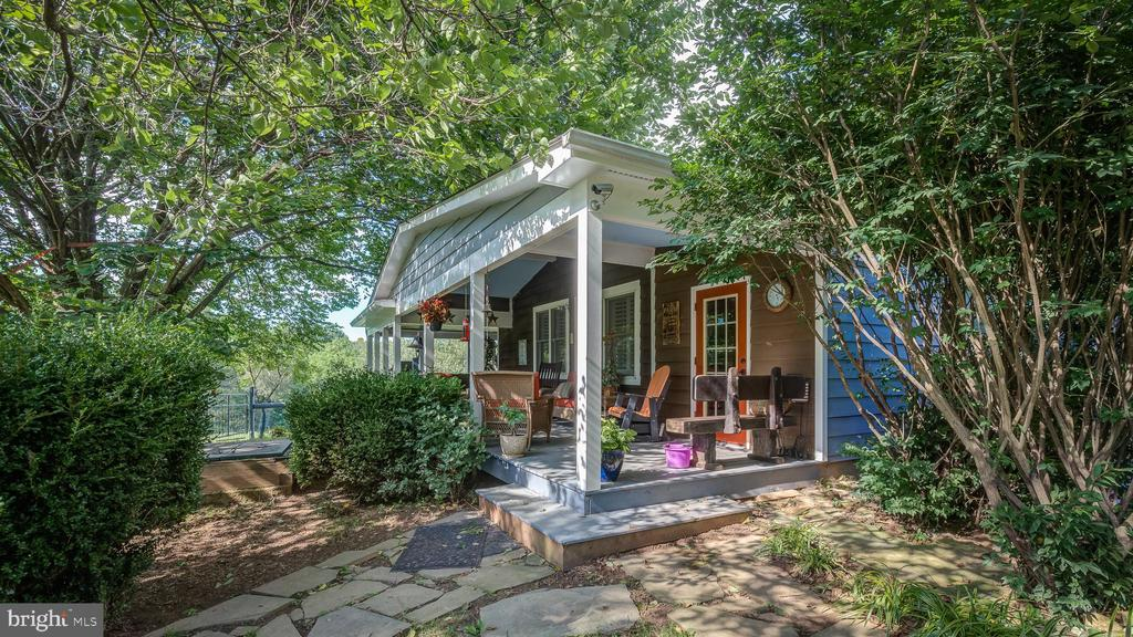 Exterior Porch View - 38978 GOOSE CREEK LN, LEESBURG