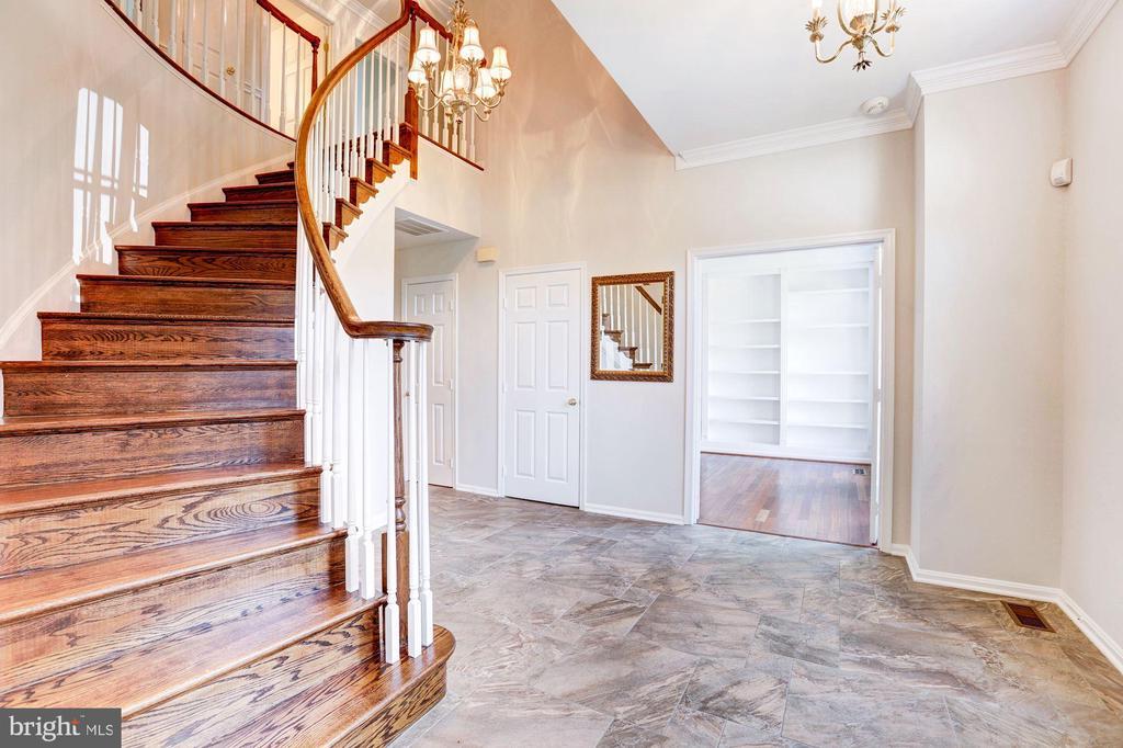 Foyer / Staircase - 8333 ARGENT CIR, FAIRFAX STATION