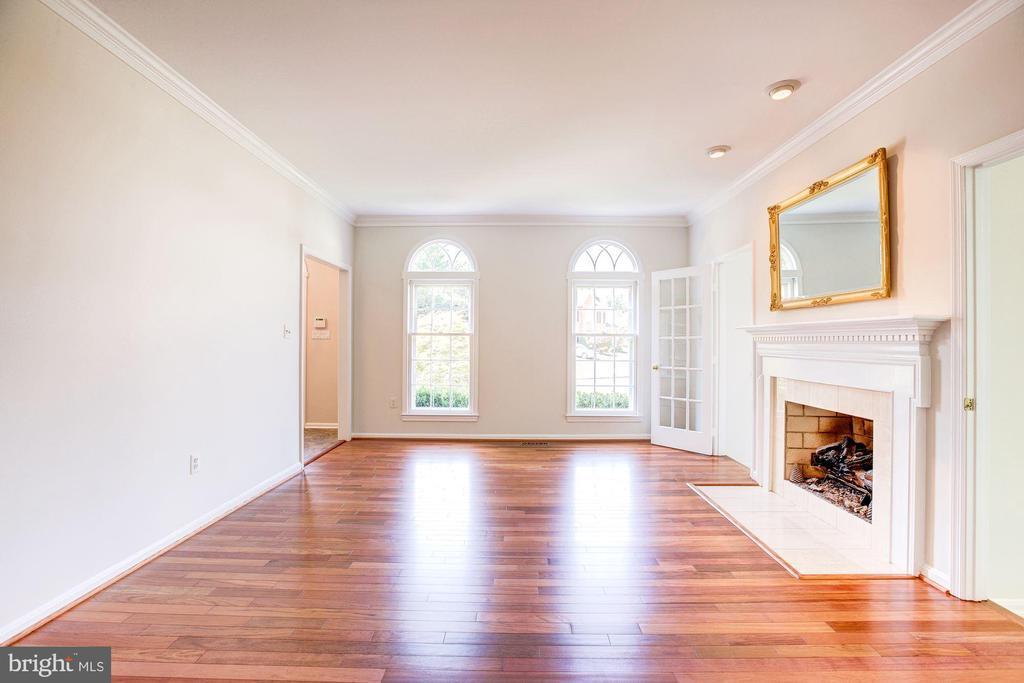 Living Room - 8333 ARGENT CIR, FAIRFAX STATION