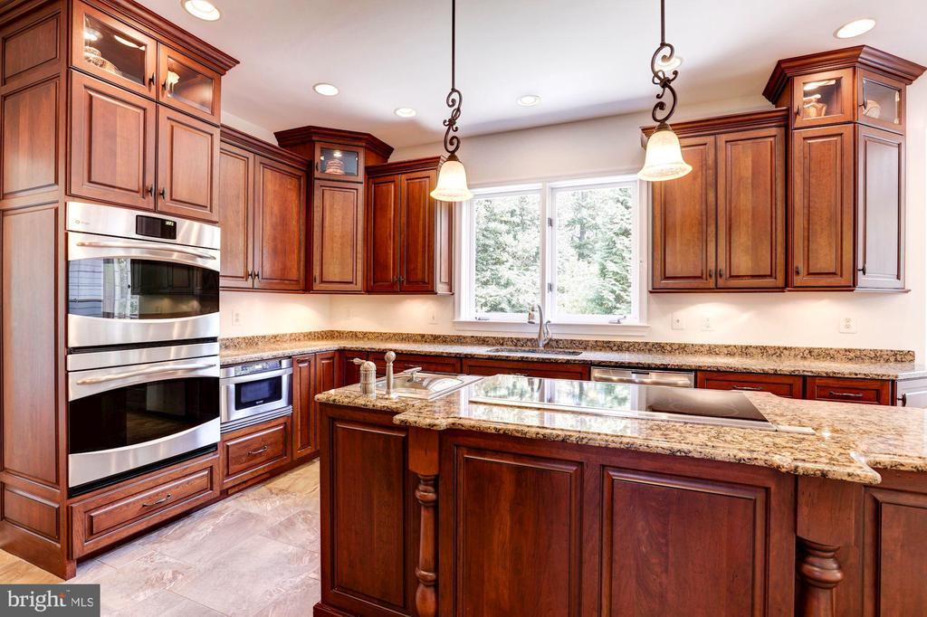 Kitchen - Stainless Appliances - 8333 ARGENT CIR, FAIRFAX STATION