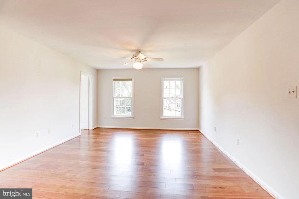 Master Bedroom Suite - 8333 ARGENT CIR, FAIRFAX STATION