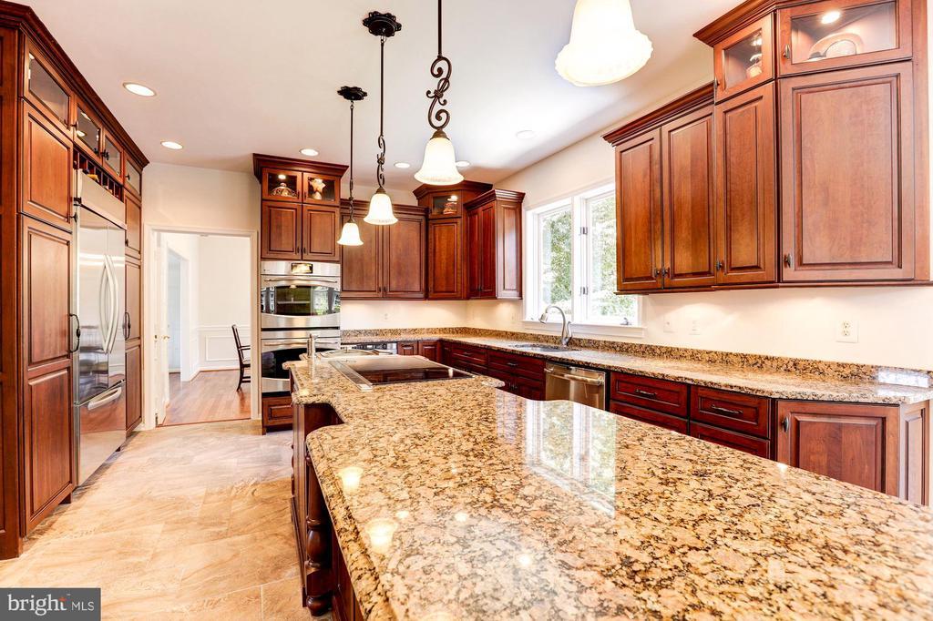 Kitchen - Granite Countertops - 8333 ARGENT CIR, FAIRFAX STATION