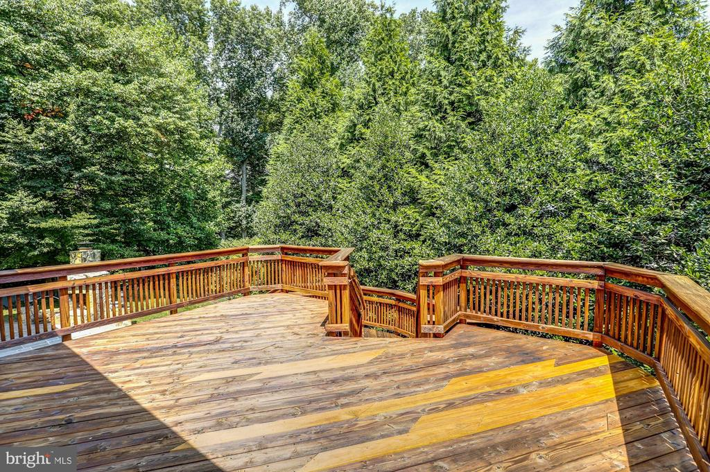 Private Treed Views - 8333 ARGENT CIR, FAIRFAX STATION