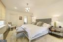 Master bedroom with en-suite bath - 3610 QUEBEC ST NW, WASHINGTON