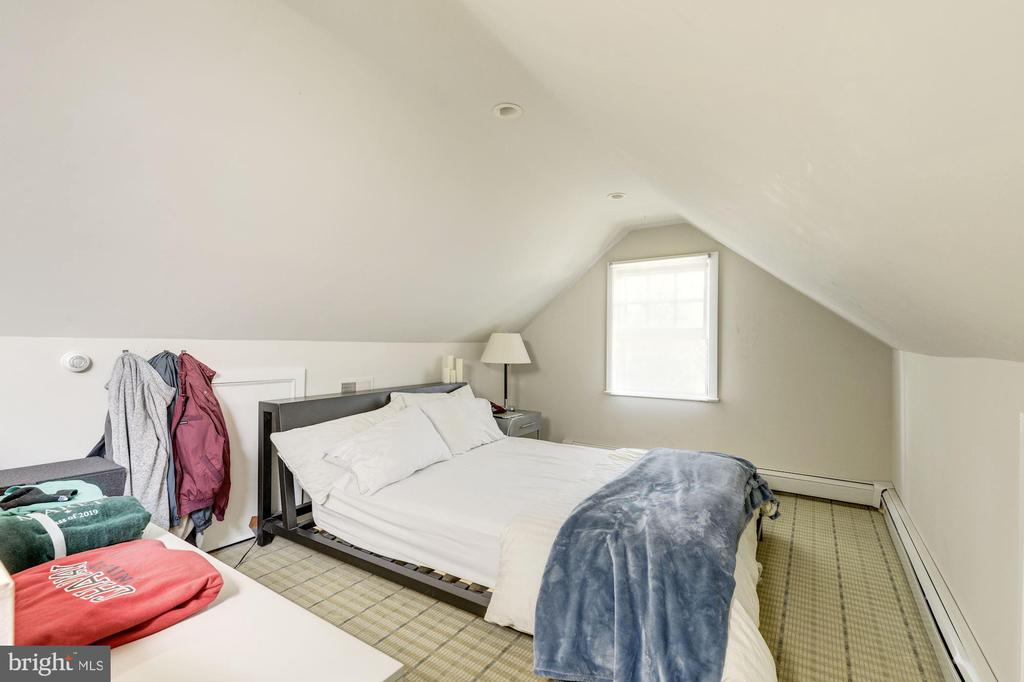 Full finished attic used as bedroom 4 - 3610 QUEBEC ST NW, WASHINGTON