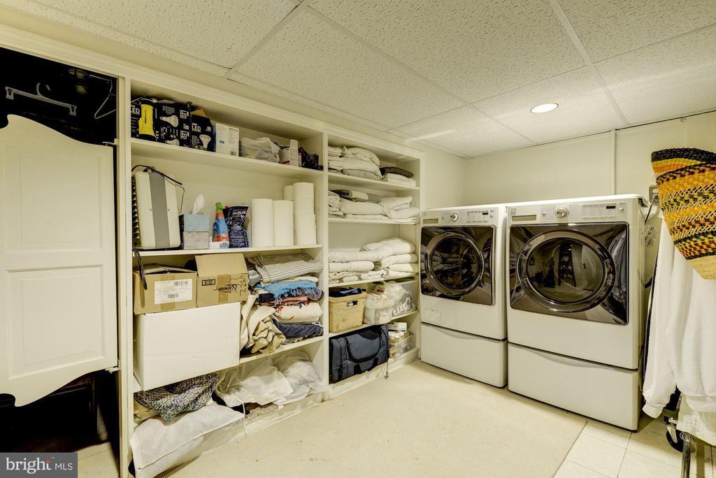 Large laundry room with storage area - 3610 QUEBEC ST NW, WASHINGTON