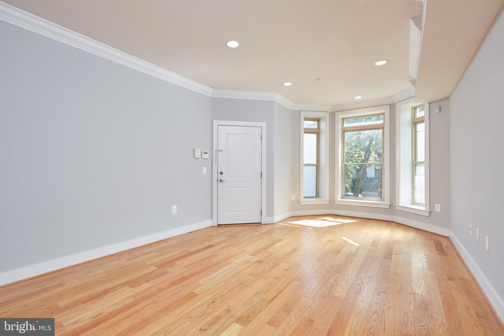 Living / Dining Rooms - 2514 17TH ST NW #2, WASHINGTON
