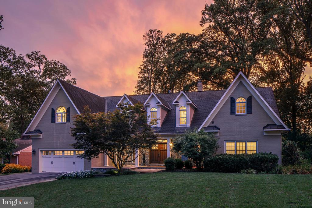 Stunning curb appeal! - 14608 CROSSWAY RD, ROCKVILLE