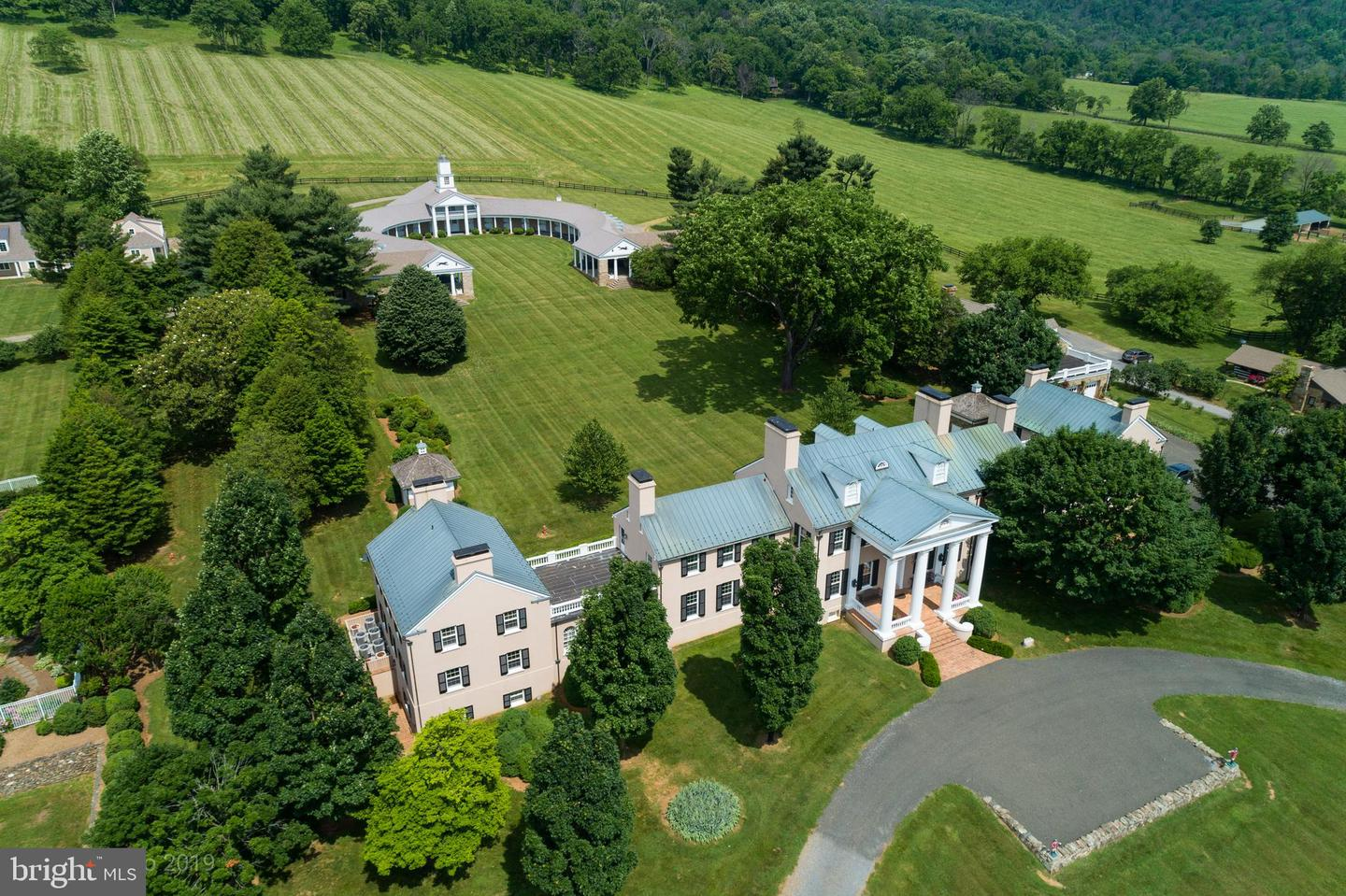 Single Family Homes pour l Vente à Upperville, Virginia 20184 États-Unis