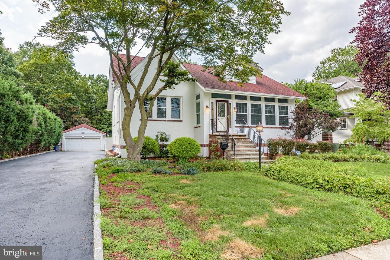 Single Family Homes pour l Vente à Collingswood, New Jersey 08108 États-Unis