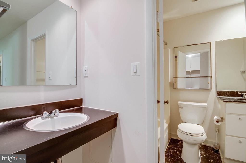 Separate vanity and bathroom - 11222 GOLDFLOWER CT, FAIRFAX STATION