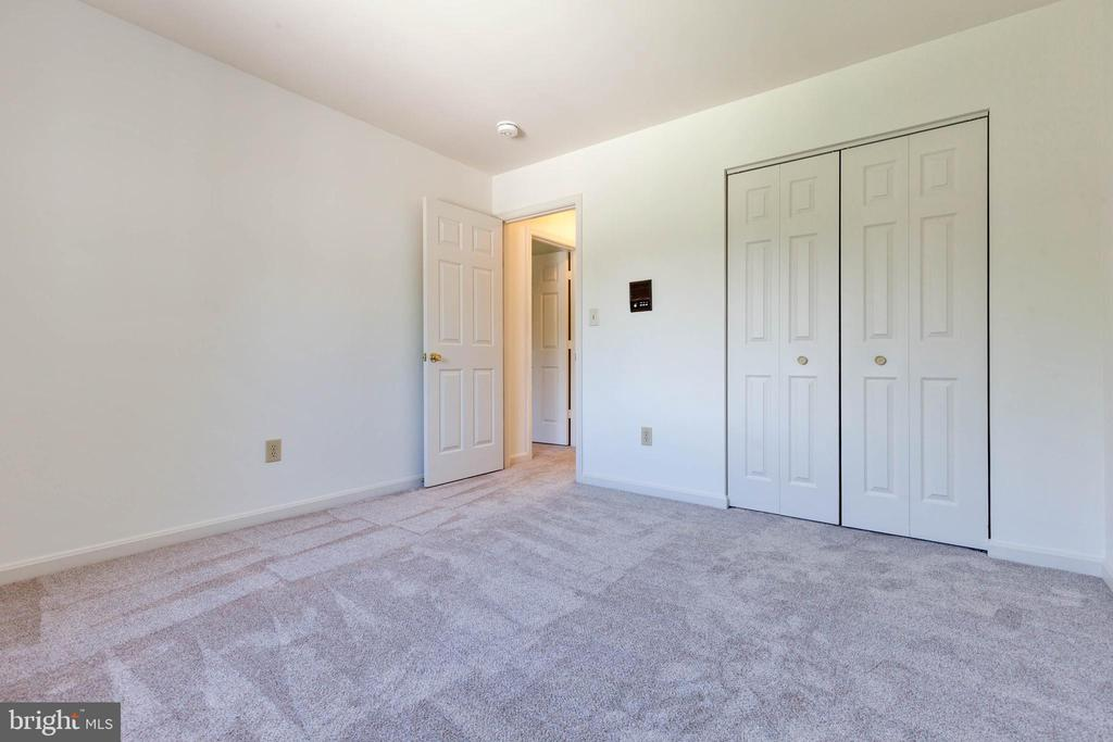 Third bedroom with new carpet and paint - 4003 MIDDLETON DR, MONROVIA