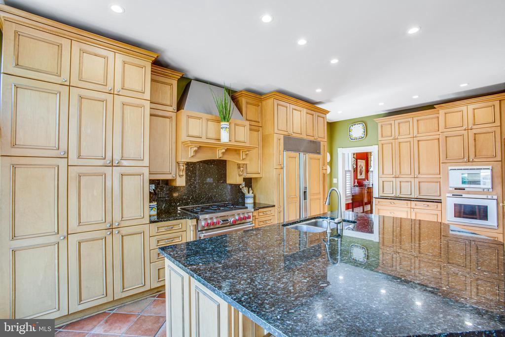 Kitchen - 504 LEWIS ST, FREDERICKSBURG
