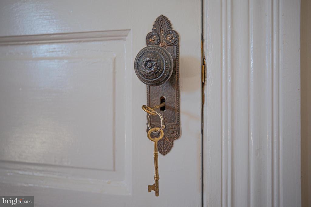 Original hardware with skeleton key - 504 LEWIS ST, FREDERICKSBURG