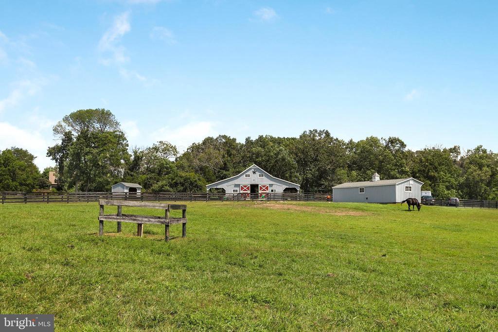 - 20310 GILESWOOD FARM LN, PURCELLVILLE