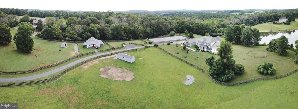 - 20310 GILESWOOD FARM LN, PURCELLVILLE