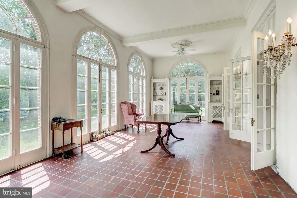 Sun Room - 918 GREENSPRING VALLEY RD, BROOKLANDVILLE