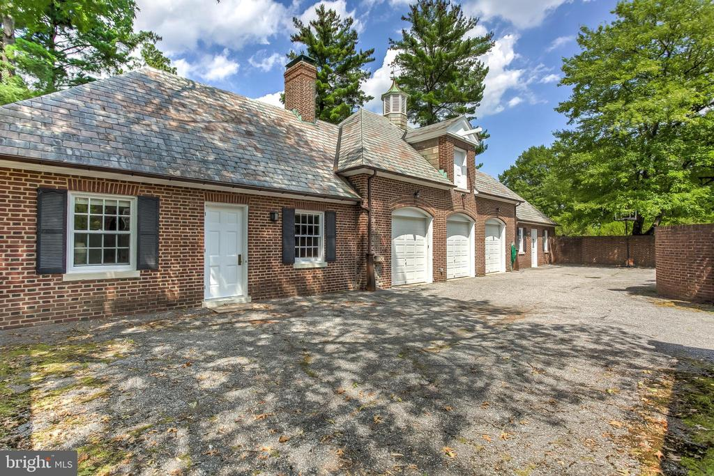 Carriage House, Apartment & Stable - 918 GREENSPRING VALLEY RD, BROOKLANDVILLE