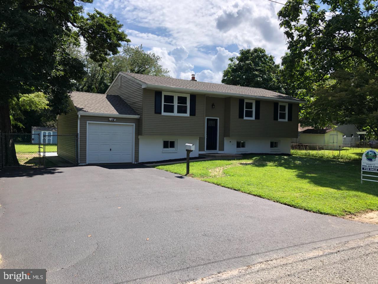 Single Family Homes 為 出售 在 Beverly, 新澤西州 08010 美國