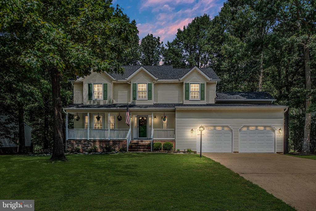 WELCOME HOME! Newly renovated and turnkey ready! - 5219 CALVERT CT, FREDERICKSBURG