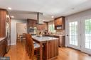 Custom cabinetry and granite! - 5219 CALVERT CT, FREDERICKSBURG