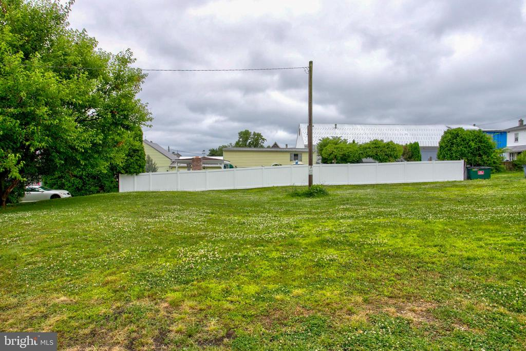 Rear of lot - 156 LANCASTER AVE, COLUMBIA