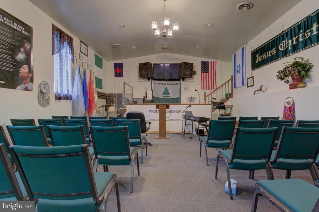 Church rental - 156 LANCASTER AVE, COLUMBIA