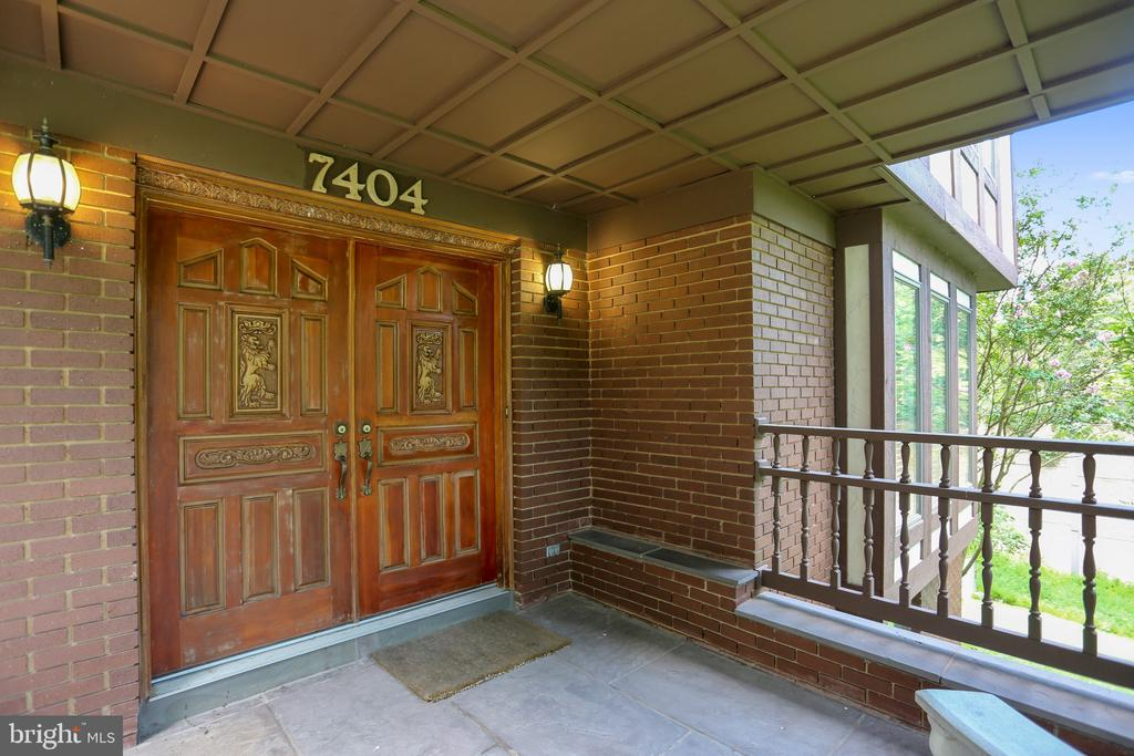 Huge covered front porch and double door entry - 7404 BRADLEY BLVD, BETHESDA