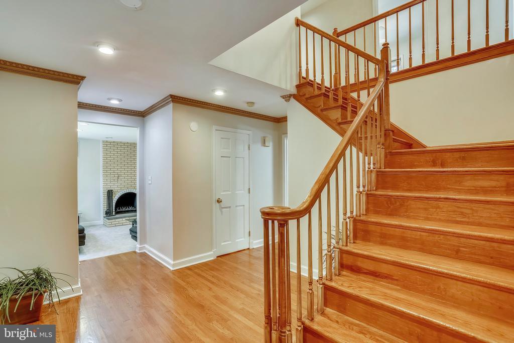 Grand open foyer with hardwoods - 7404 BRADLEY BLVD, BETHESDA