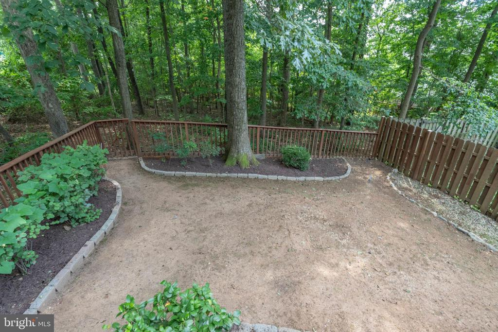 Backing to tree fully fenced yard - 4026 ROSEMEADE DR, FAIRFAX