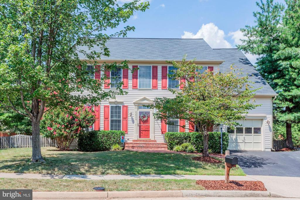 Impeccably maintained home! - 42956 OHARA CT, ASHBURN