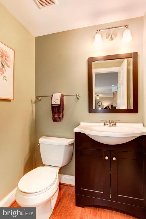 Half Bathroom on main level of home - 42956 OHARA CT, ASHBURN