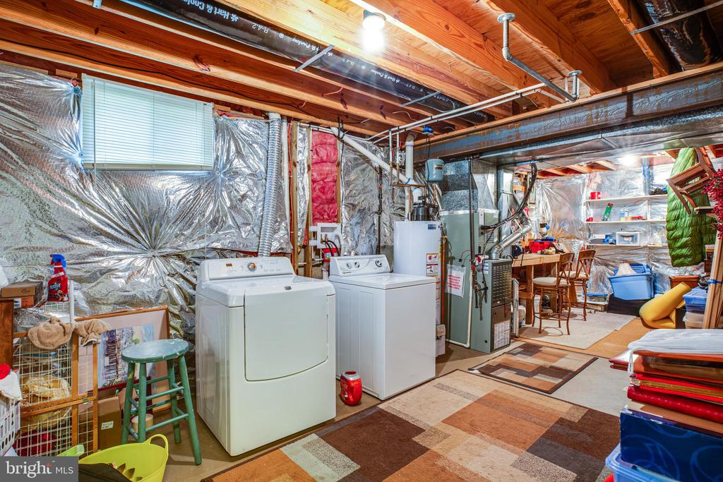Laundry and workroom in the basement - 11911 KINGSWOOD BLVD, FREDERICKSBURG