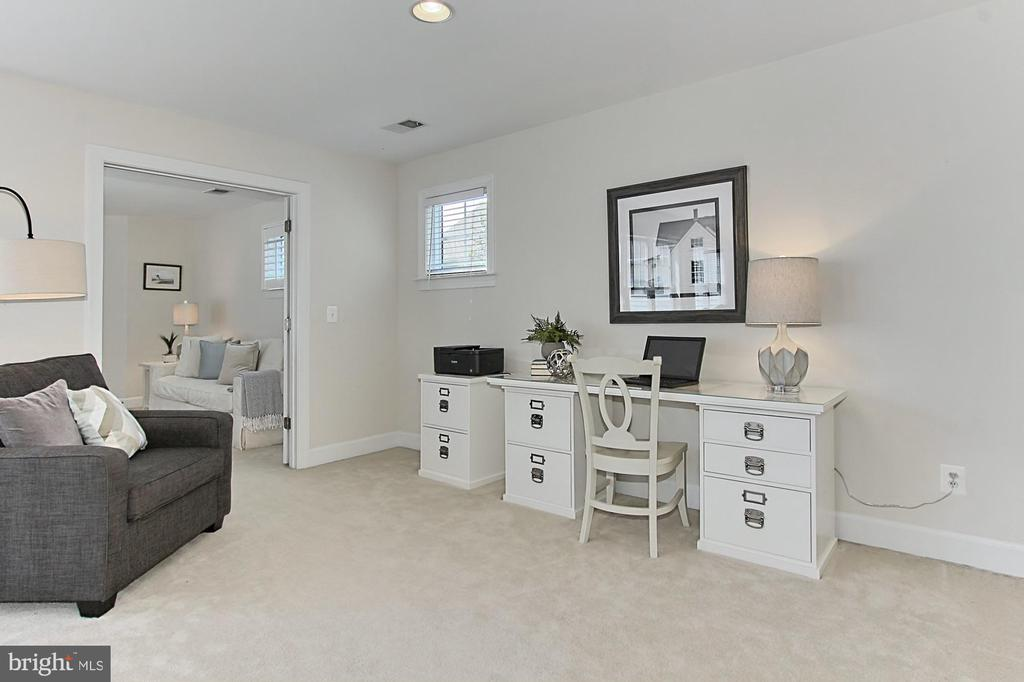 Perfect Office area or Really Anything Goes - 23008 WHITE IBIS DR, BRAMBLETON