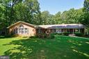 Welcome Home! All Brick home on 1.24 acres - 1700 BESLEY RD, VIENNA