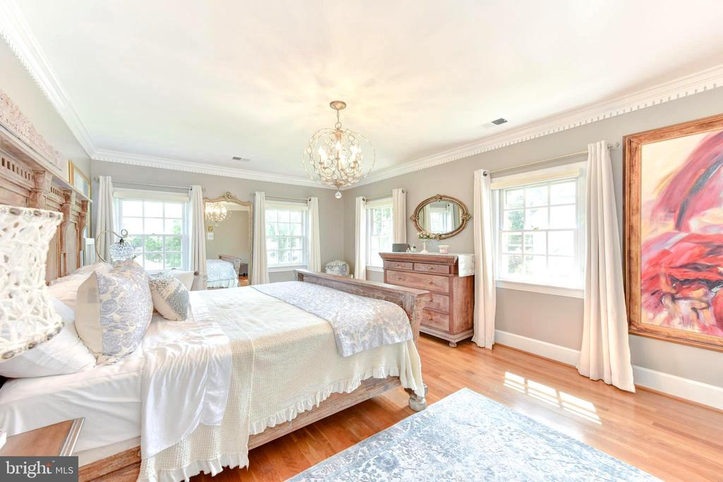 Large, bright windows in Master Suite. - 1904 BELLE HAVEN RD, ALEXANDRIA