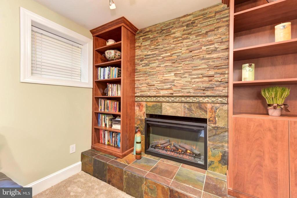 Beautiful drystack stone wall & slate hearch. - 1904 BELLE HAVEN RD, ALEXANDRIA