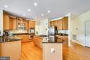 Stainless  Appliances & Granite  Counters - 17262 NORTHWOODS PL, HAMILTON