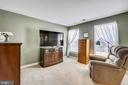 Sitting Area to relax at the end of the day - 17262 NORTHWOODS PL, HAMILTON
